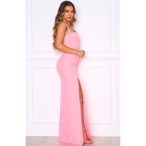 ✨NWT✨ (Small) White Fox Pink maxi dress with slit